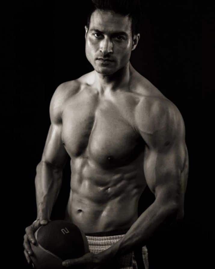 Guru Mann American, Indian Dietitian, Fitness Trainer, Model, Author