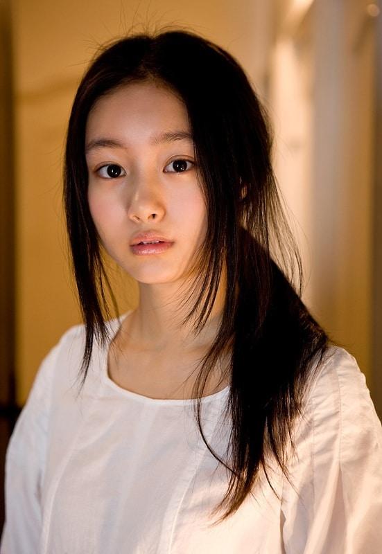 Shiori Kutsuna Japanese, Australian Actress, Idol