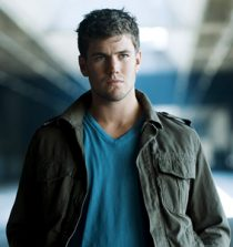 Austin Stowell Actor