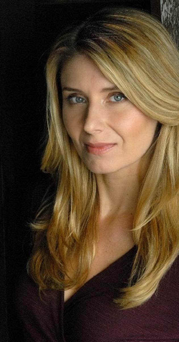 Nadia Bowers American Actress