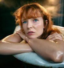 Stef Dawson Actress