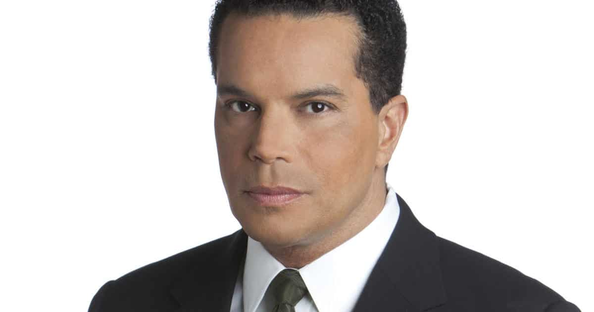 Troy Roberts American TV News Reporter