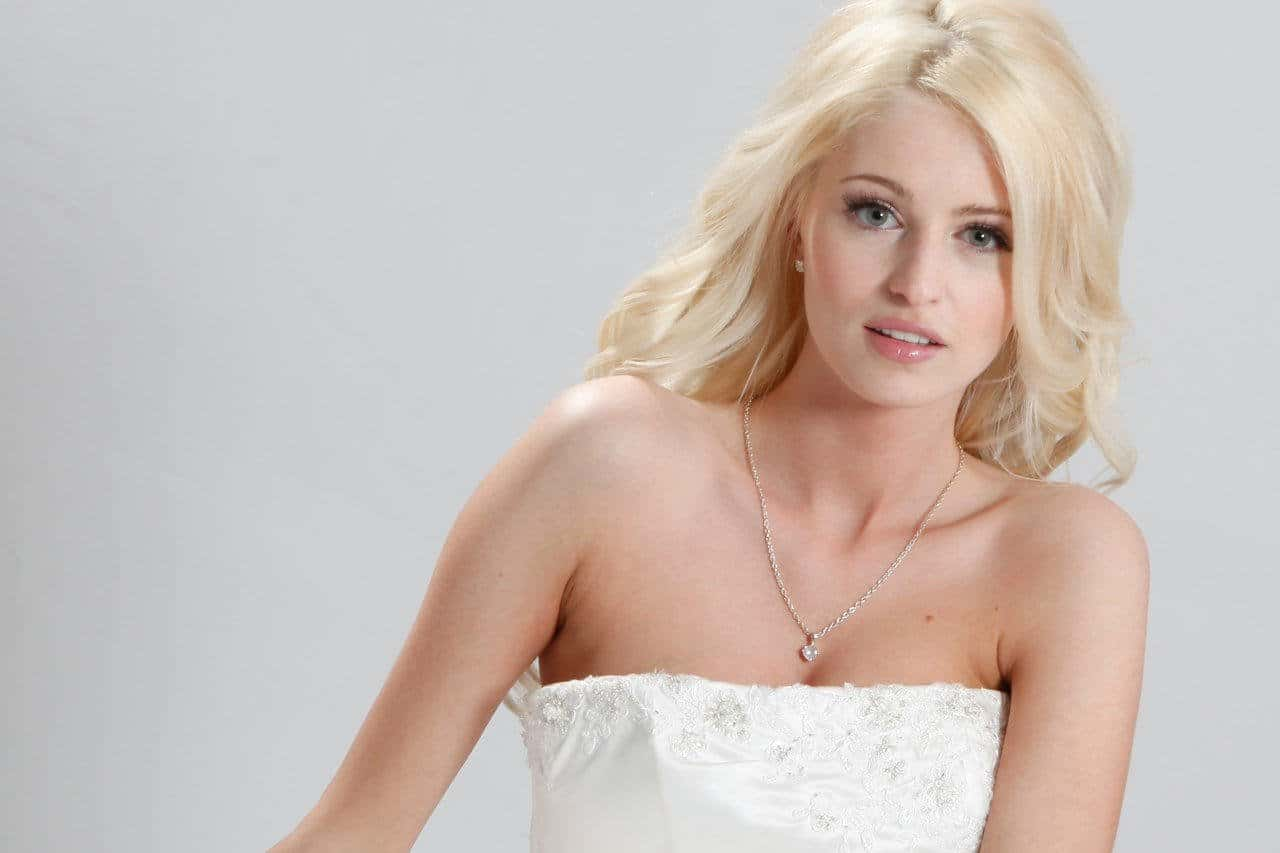 Michelle Molineux - Biography,Age,Affairs & Images | World Super Star Bio