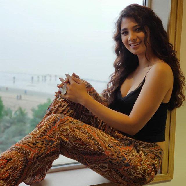 Natasha Bharadwaj - Biography, Height & Net Worth | World Super Star Bio