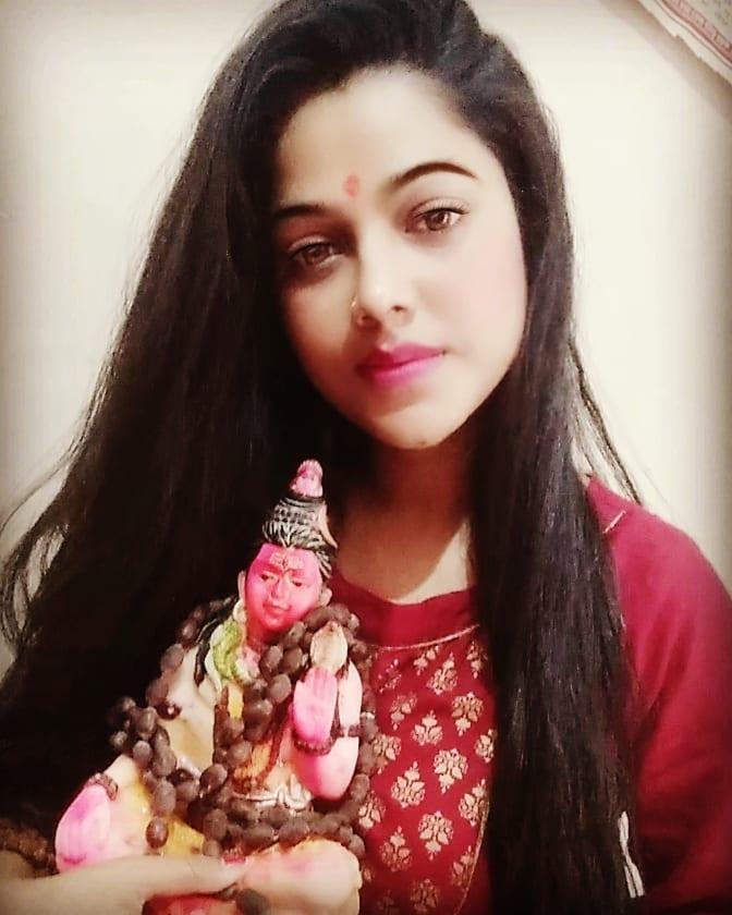 Neetu Bhalla Indian Singer