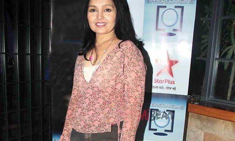 Ananya Khare bio 800x480