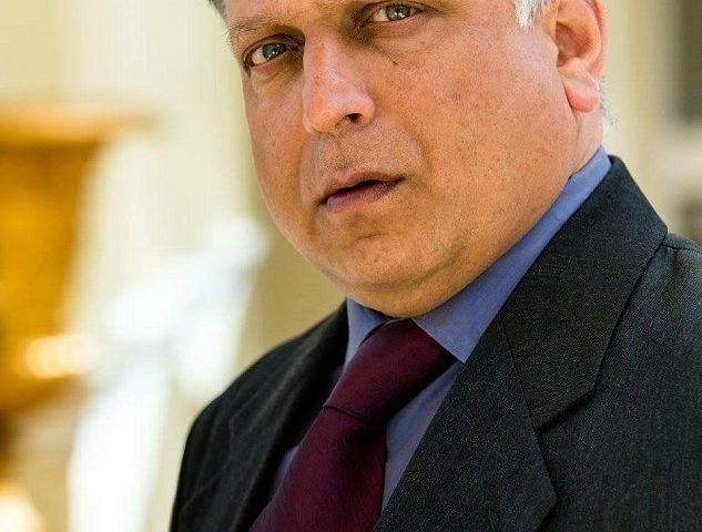 Atul Sharma height 633x480