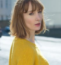 Emma Lowndes Actress