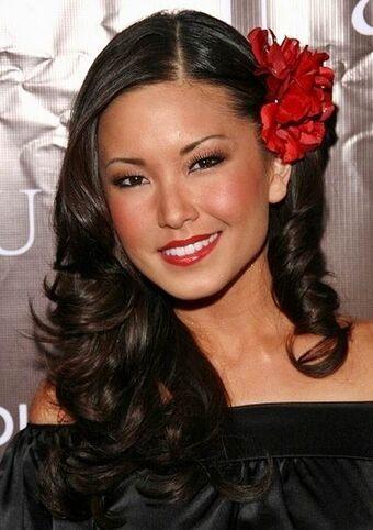 Lauren Shiohama American Model