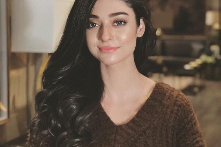 Noor khan Height 720x480