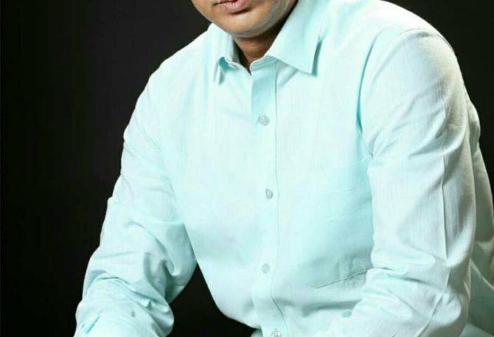 Sanjeev Pandey height 704x480