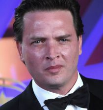 Aden Young Actor