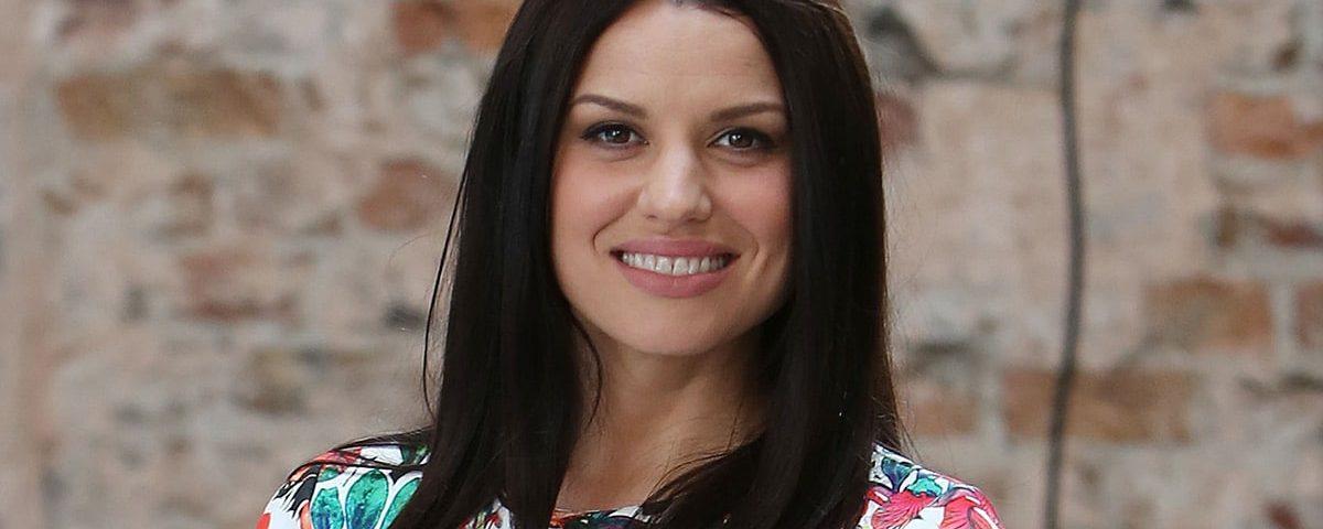 Caroline Morahan age 1200x480