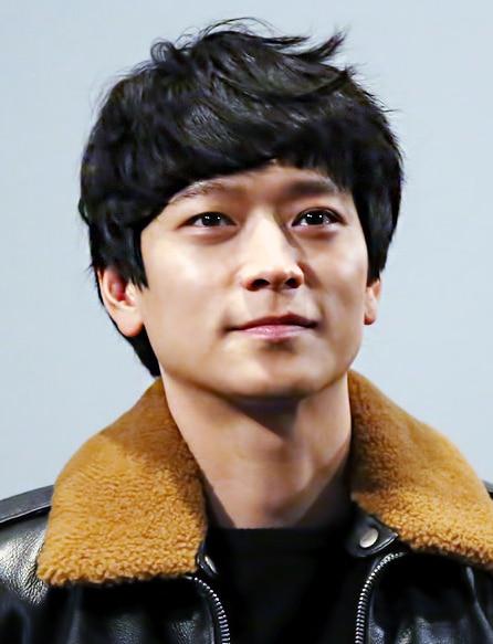 Gang Dong-Won South Korean Actor
