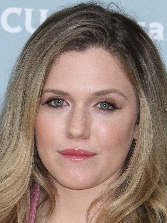 Harriet Dyer  Actress