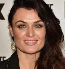 Lyne Renée Actress