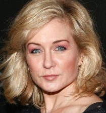 Amy Carlson Actress