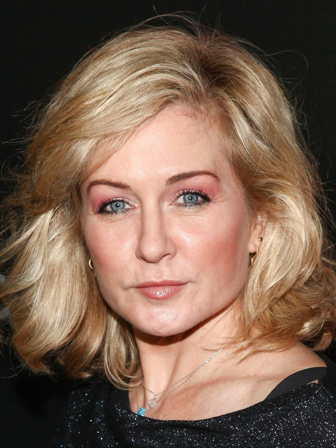 Amy Carlson American Actress