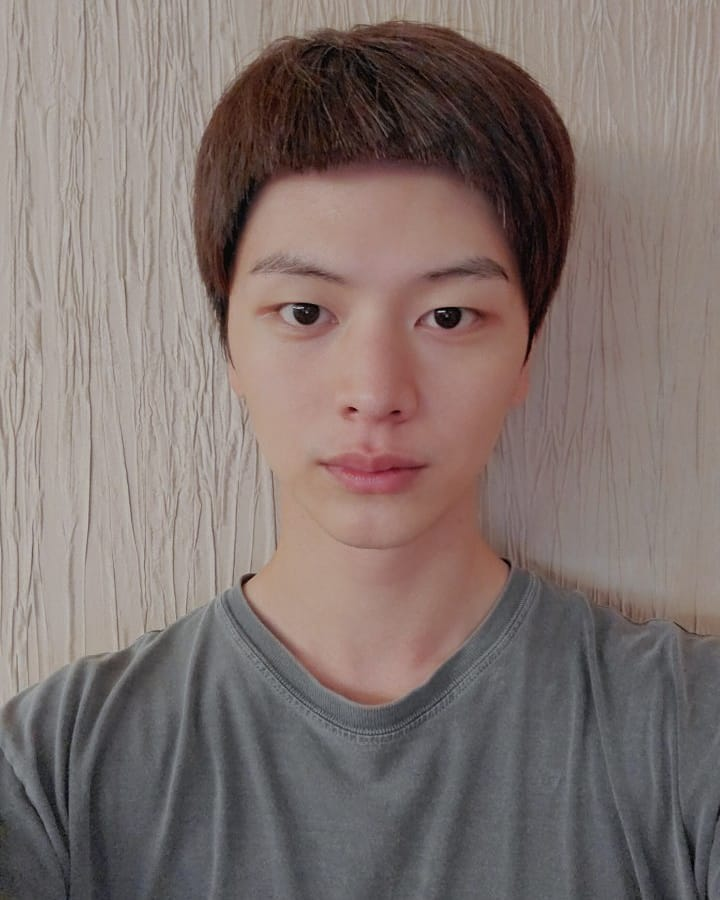 Yook Sung-jae South Korean Singer, Song Writer, Actor, Host, Model