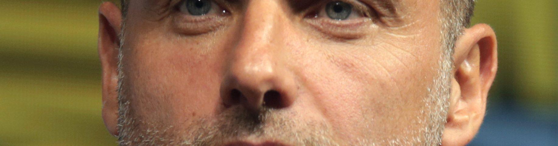 Andrew Clarke actor es 1833x480