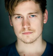 Gavin Stenhouse Actor