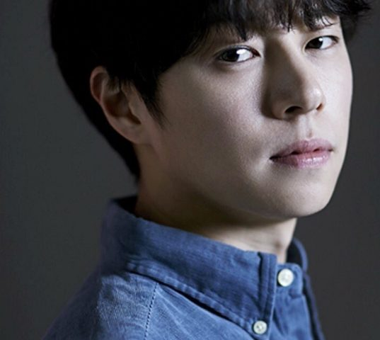 Ki Hyuk Lee bio 537x480