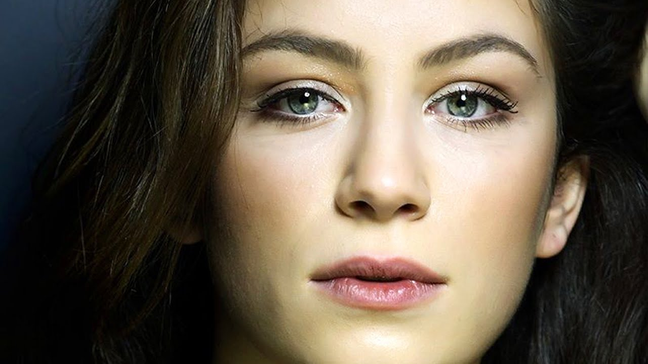 Buse Arslan Turkish Actress