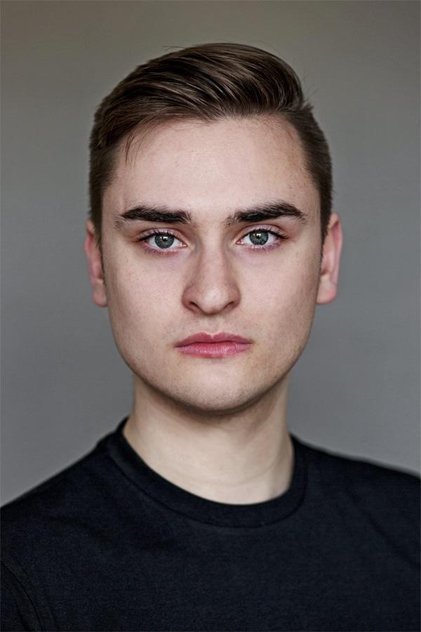 Dean Quinn British Actor