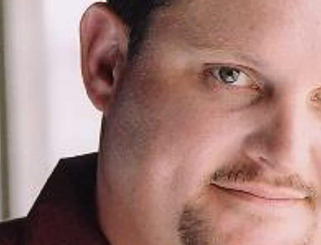 Michael Olifiers bio 630x480