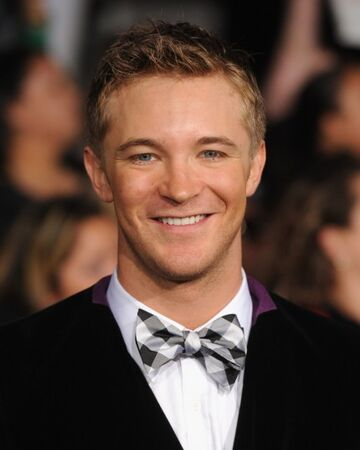 Michael Welch facts