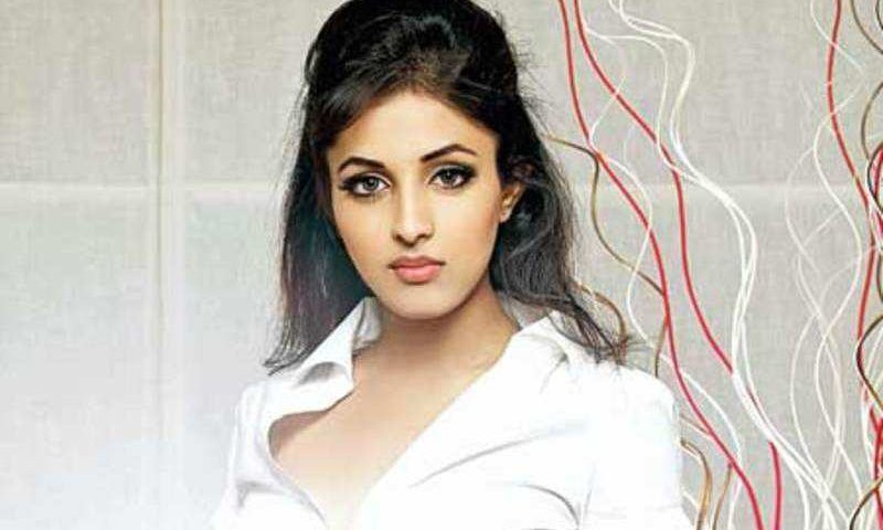 Priya Banerjee height 800x480