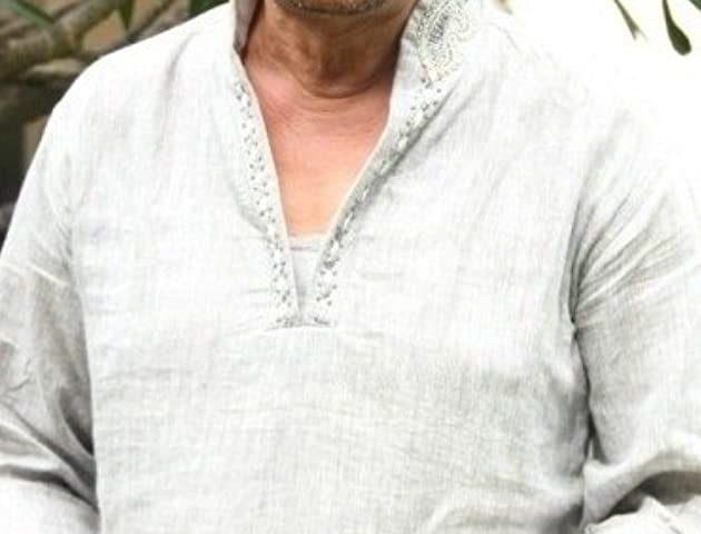 Nizhalgal Ravi bio 630x480