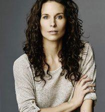 Holly Elissa Actress