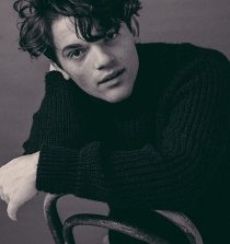 Edward Bluemel Actor