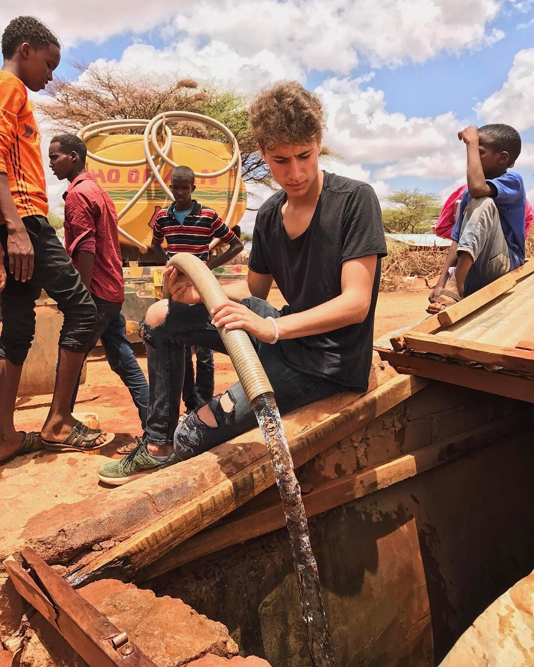 Juanpa Zurita Helping in Somalia