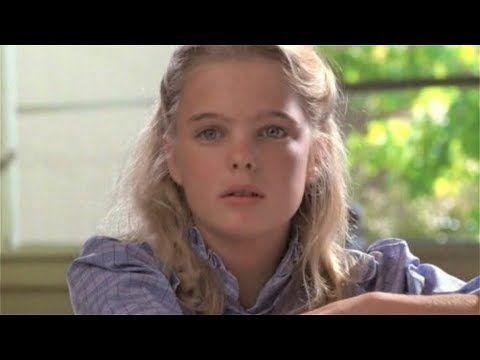Erika Eleniak as pretty girl in ET